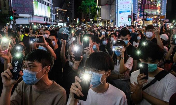 trung quoc kiem duyet internet hong kong