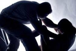 Bé 13 tuổi bị 4 kẻ thay nhau hiếp dâm rồi quay clip ở Hải Dương