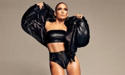 Jennifer Lopez khoe cơ bắp ở tuổi 50