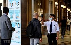 Italy phạt 1.000 euro với người không đeo khẩu trang khi đi mua sắm