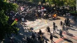 Bạo loạn biểu tình tại Seattle (Mỹ) làm ít nhất 60 cảnh sát bị thương