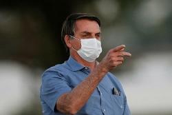 Tổng thống Brazil bị 'mốc phổi' vì nCoV