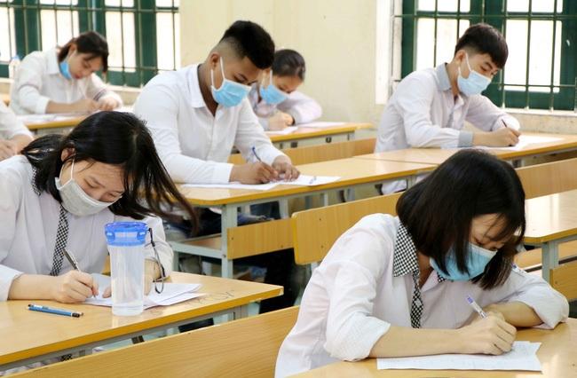 Học sinh TP.HCM sẽ thi tốt nghiệp THPT 2 đợt  - 1