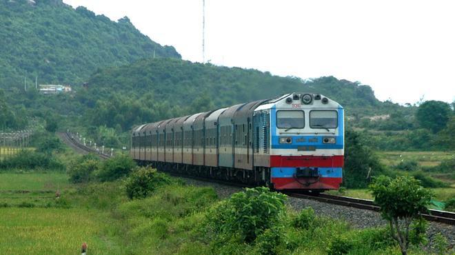 Thua lỗ liên miên, đường sắt Việt Nam xin vay ưu đãi 800 tỷ: Trông vào đâu trả nợ?