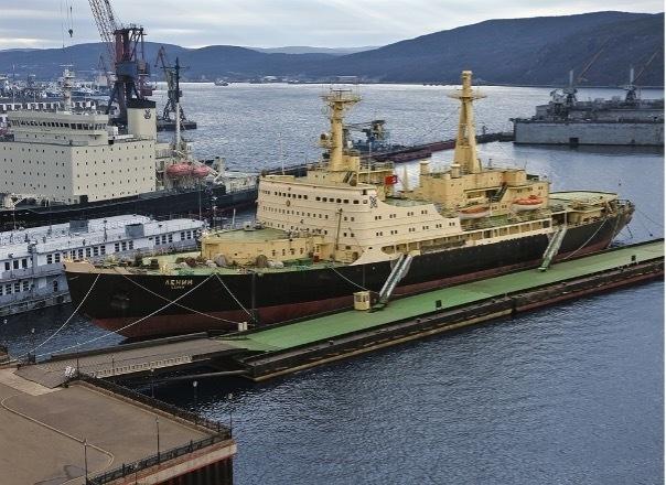 Những thế lực 'đáng gờm' ở Bắc Cực: Đội tàu phá băng nguyên tử độc nhất của Nga - 2