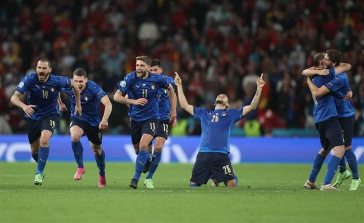 Nghẹt thở hạ Tây Ban Nha, Italy vào chung kết EURO 2020 - 1
