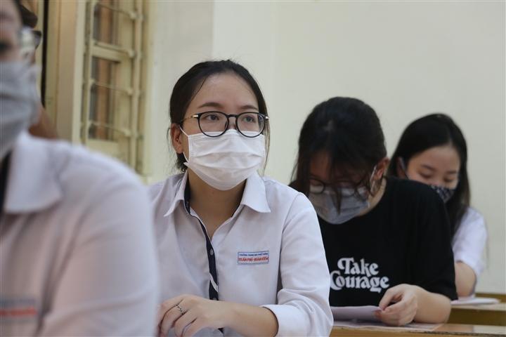 Thí sinh dương tính SARS-CoV-2, Bắc Giang khẩn cấp dừng một điểm thi tốt nghiệp - 1