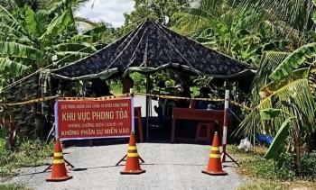 Nhiều cán bộ y tế ở Trà Vinh bị đình chỉ công tác do lơ là phòng dịch