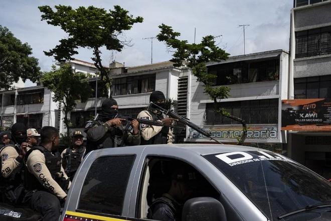 Venezuela: Cảnh sát đấu súng với tội phạm trên đường phố Thủ đô Caracas