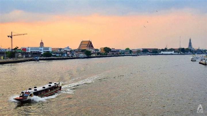 Thái Lan phong tỏa thủ đô Bangkok và 9 tỉnh lân cận