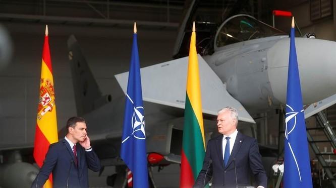 Tổng thống Litva hủy họp báo vì máy bay Nga, tiêm kích được lệnh đánh chặn