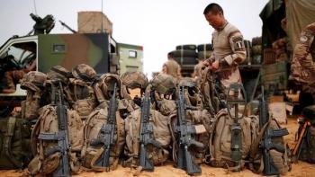 Pháp tuyên bố đóng cửa 3 căn cứ quân sự tại Mali