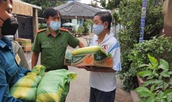 60.000 lao động tự do và bán vé số dạo tại TP Hồ Chí Minh đã được hỗ trợ