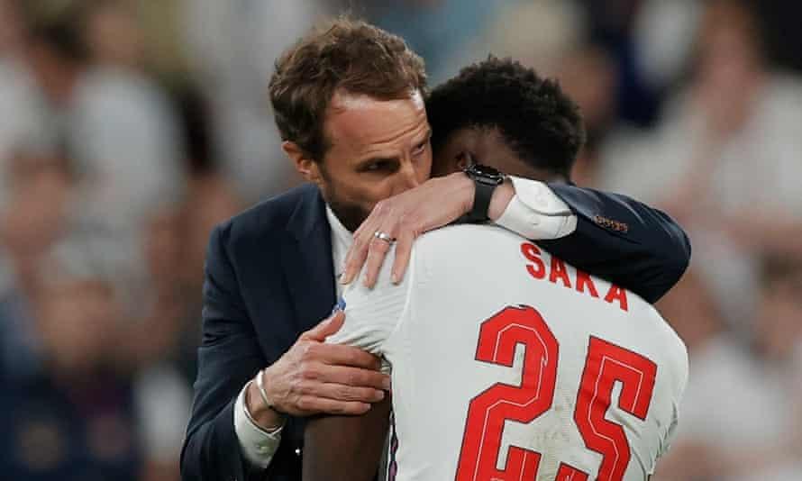 HLV Southgate chọn sai người đá 11m, Anh rơi nước mắt nhìn Italy vô địch EURO