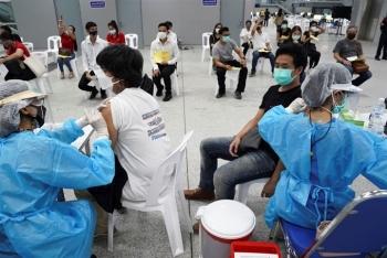 Thái Lan thêm gần 9.000 ca COVID-19, có trường hợp nhiễm cả 2 biến thể