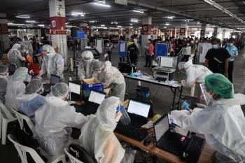 Thái Lan tăng vọt kỷ lục gần 10.000 ca COVID-19/ngày