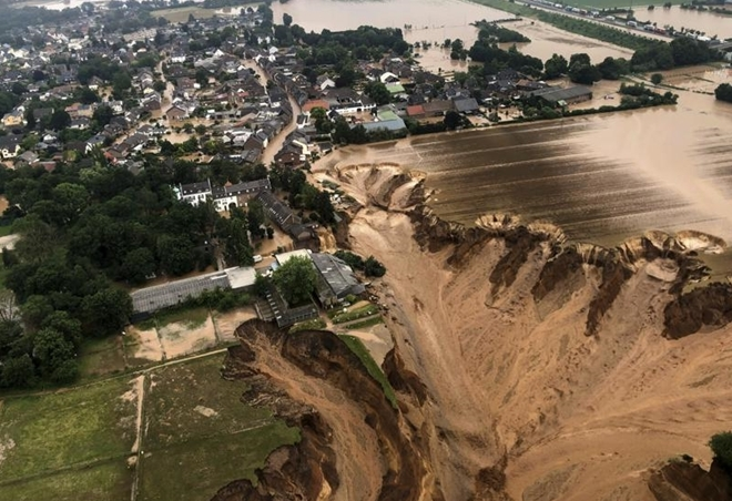 Gần 100 người chết vì lũ lụt ở Đức, con số có thể tiếp tục tăng
