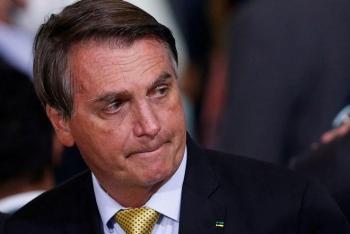 """""""Cơn ác mộng"""" của Tổng thống Brazil Bolsonaro"""