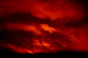 Ảnh: Hiện tượng thời tiết quái dị do cháy rừng ở Mỹ