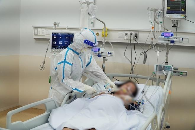 Hơn 2000 trang thiết bị y tế được chuyển tới TP Hồ Chí Minh