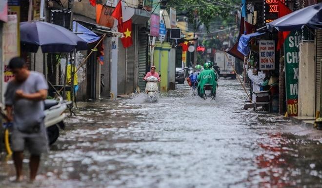 Áp thấp nhiệt đới đổ bộ vùng biển Hải Phòng - Nam Định