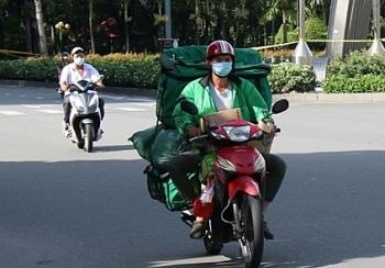 Hà Nội tạm cấm shipper, ưu tiên 3 nhóm đi lại trong thời gian giãn cách