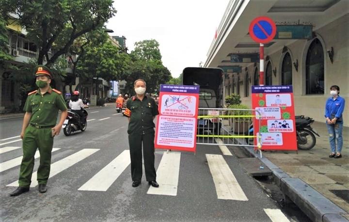 Hà Nội xử phạt 45 người trong ngày đầu giãn cách xã hội - 2