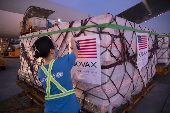 Việt Nam tiếp nhận 3 triệu liều vaccine Moderna của Hoa Kỳ hỗ trợ