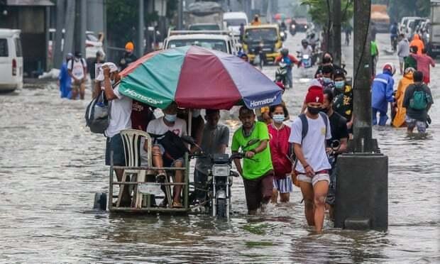 Lũ lụt khủng khiếp ở Philippines, gần 15.000 người di tản khỏi thủ đô