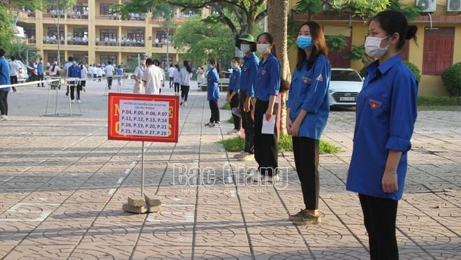 18 nghìn thí sinh Bắc Giang bước vào kỳ thi lớp 10 được thắt chặt phòng chống Covid-19 ảnh 1
