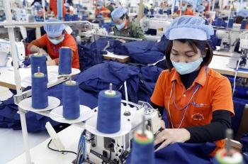 Hiệp hội may mặc Mỹ kêu gọi Chính phủ gửi thêm vaccine cho Việt Nam