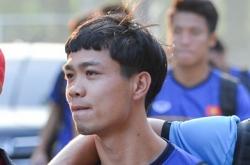 ban trai len tieng khi hoa minzy sang indonesia co vu olympic viet nam