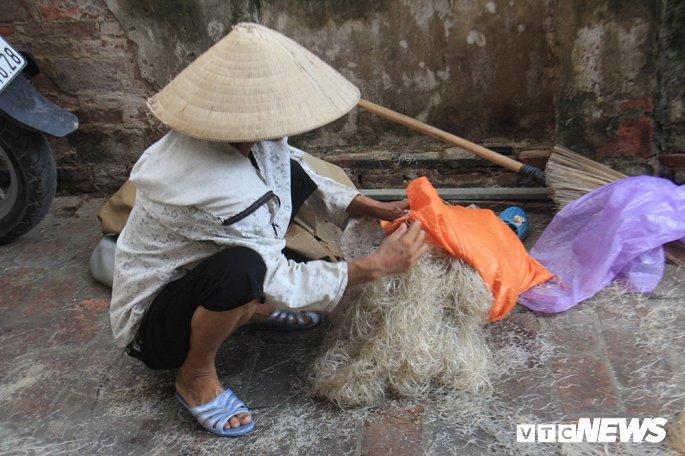 dac san mien cu da rua bang nuoc muong den ngom phoi sat nui rac day ruoi nhang