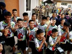 Đội bóng nhí Thái Lan kể về chuyến thám hiểm dẫn tới hai tuần mắc kẹt trong hang