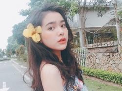 nhan sac cua nu sinh tran phu mang 3 dong mau thai viet trung