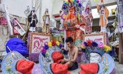 Nghệ nhân vàng mã Malaysia tất bật mùa cúng cô hồn