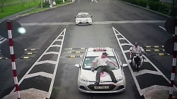 tranh bi taxi du chat chem tai san bay noi bai bang cach nao
