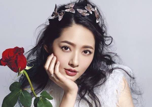 """5 """"bông hồng lai"""" đẹp, quyền lực của giải trí Hoa ngữ"""