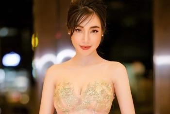 Elly Trần chuộng váy hở ngực