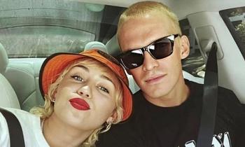 Miley Cyrus chia tay bồ trẻ
