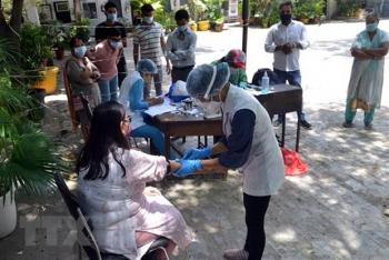 Thế giới có gần 22 triệu ca nhiễm, Ấn Độ là tâm dịch của châu Á