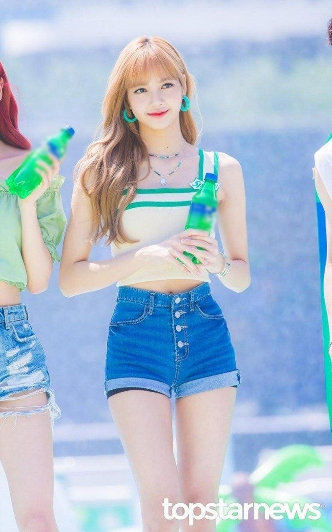 lisa somi canh tranh danh hieu body bup be song dinh nhat kpop