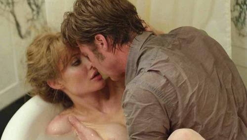 Jolie-Pitt đóng cảnh nóng trong phim By The Sea.
