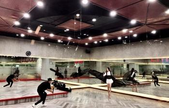 Hoa hậu Khánh Vân luyện 'thần thái hoa hậu' trước Miss Universe 2020