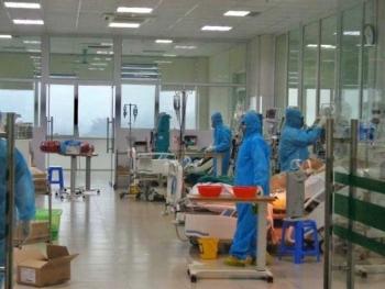 Bệnh nhân Covid-19 ở Bắc Giang đang rất nặng, ca nhân viên giao pizza ở Hà Nội biểu hiện liệt cơ