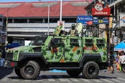 philippines xa sung vao doan xe ho tong khien 8 nguoi thiet mang