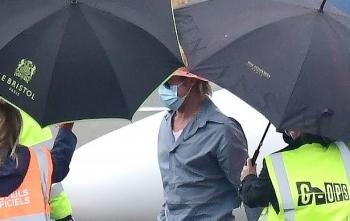 Brad Pitt vội vã né cánh săn ảnh sau ồn ào hẹn hò người mẫu 27 tuổi