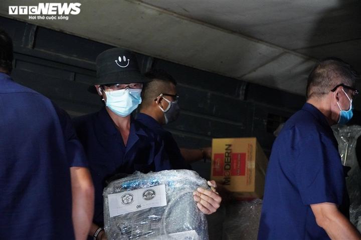10 tấn vật tư, thiết bị y tế đã chuyển đến chi viện cho TP.HCM - 4
