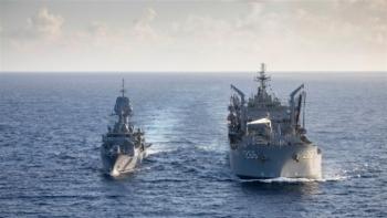 Ấn Độ điều tàu chiến đến Biển Đông