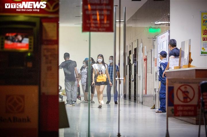 Bé gái 12 tuổi rơi từ tầng 12 chung cư ở Hà Nội chết thương tâm - 2